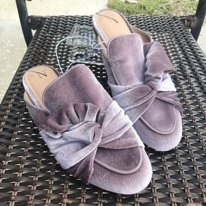 Anthro Pink Bow Velour Mules Slides Sz 8.5 NEW